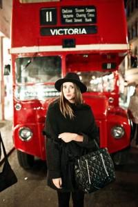 ragazza-bus-londinese